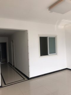 东平县城汇龙国际,两室八十平,商业街附近,上学生活便利!!