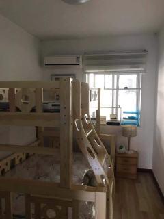东平县明湖中学附近供电局家属院 好楼层 精装修家具家电齐全