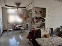 东平县明湖中学附近 中装两室两厅 简单家具家电 可拎包入住