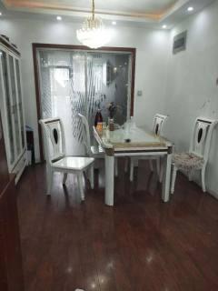 东平县山水人家 电梯房 家具家电齐全  年租一万五千元