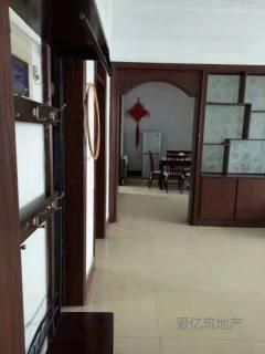东平县明湖中学附近 中装三室两厅 家具家电齐全 可拎包入住