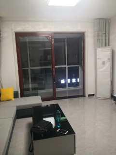 东平县佛山小学对过 电梯四楼  精装三室两厅 家具家电齐全