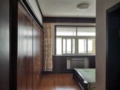 东平县平湖花苑3室2厅2卫125m²简单装修