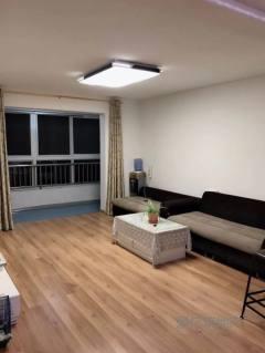 东平县南城学区房滨河御邸 精装三室两厅 家具家电齐全