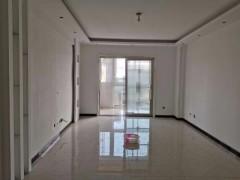 东平县城体育馆西邻 世尊华府3室2厅2卫112m²精装修