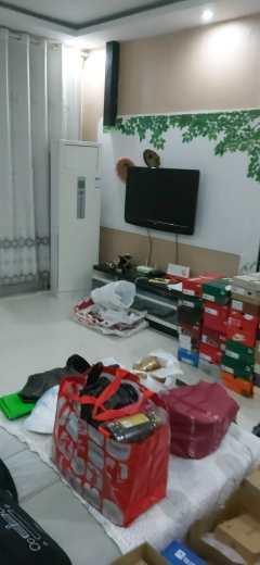 东平县丽水佳苑  黄金楼层 精装三室两厅家具家电齐全