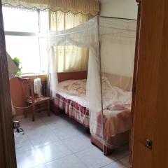 东平县一实小学校附近黄金楼层精装三室有证能分期带储藏室