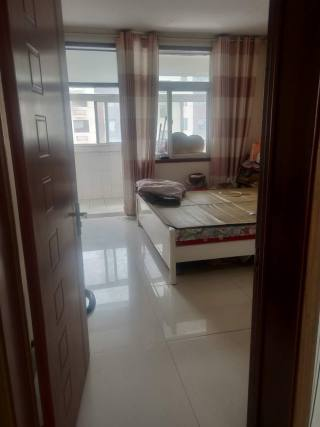 东平县东原小区3室2厅1卫110m²简单装修