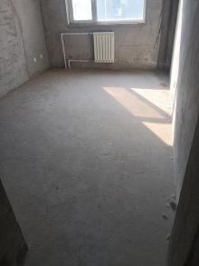 东平新东岳3室2厅2卫117m²毛坯房68万