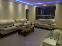 东平县时代华庭 3室2厅2卫130m²简单装修