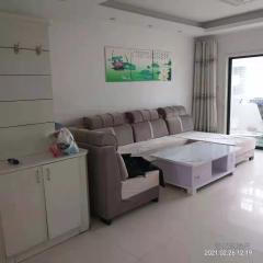东平明湖中学附近,杭州花园3室1厅1卫,家具家电齐全随时入住