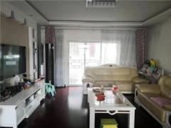 东平县杭州花园3室2厅2卫135m²中档装修