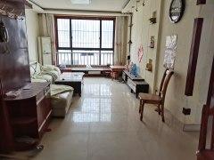 东平县实验中学一实小附近盛世城市广场家具家电齐全拎包入住