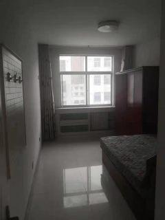 东平县一实小附近东晟小区 三室带车库,家具家电齐全出租