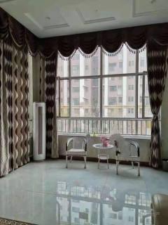 东平县清河实验学校附近三室两厅一卫精装修拎包入住东西齐全