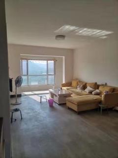 东平县圣都山水城二期3室2厅2卫137m²
