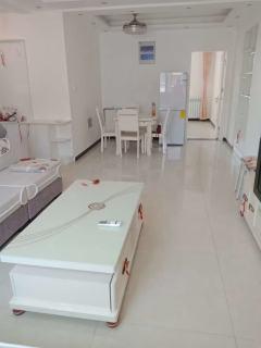 东平县(南城区)惠泽澜庭3室2厅1卫1166元/月100m²精装修出租