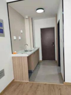 东平县盛世铂悦府1室1厅1卫32万40m²中档装修出售,紧邻实验中学,环境优势,交通方便