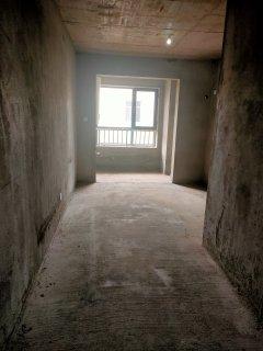 东平县高档小区带车位储藏室联发观天下4室2厅2卫108万141m²出售