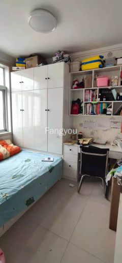 东平县杭州花园3室2厅1卫65万95m²出售,送储藏室,证满5
