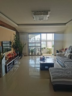 东平县西城区杭州花园3室2厅2卫55万121m²出售精装修带大储藏室水电卫生间分期低费用