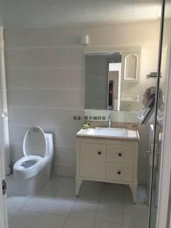 东平县西城区财富广场3室2厅1卫1250元/月120m²精装修出租
